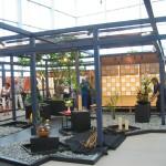 Aufbau in der Villa Flora Ikebana International 1